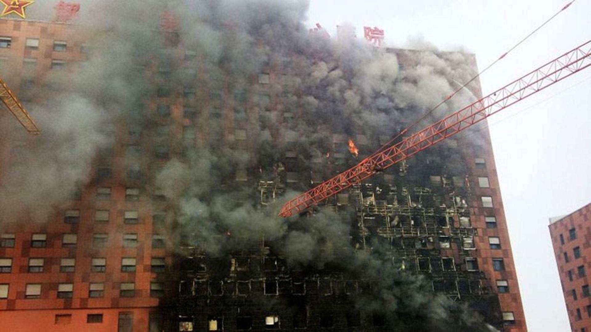 """全国近4万栋建筑""""体检"""":外墙保温材料火灾隐患超两万"""