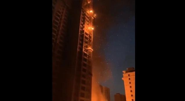 在建工地因建筑保温材料起火,未设置临时消防水源